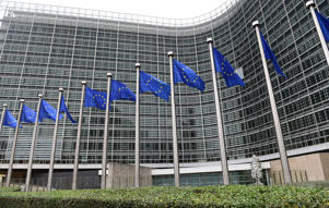 The Italian government has defied a request to present a revised draft budget for 2019 to the European commission, as it pursues its big-spending strategy.