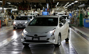 Toyota Motor Corp's Prius hybrid cars are seen on the assembly line of Toyota Motor Corp's Tsutsumi plant in Toyota, central Japan, December 8, 2017.  REUTERS/Toru Hanai