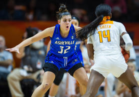 KNOXVILLE, TN - NOVEMBER 14: North Carolina Asheville Bulldogs guard Ali Trani (32) playing defense on Tennessee Lady Volunteers guard Zaay Green (14) during a college basketball game between the Tennessee Lady Volunteers and North Carolina Asheville Bulldogs on November 14, 2018, at Thompson-Boling Arena in Knoxville, TN. (Photo by Bryan Lynn/Icon Sportswire via Getty Images)