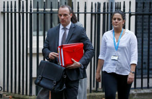 Britain's Secretary of State for Exiting the European Union, Dominic Raab, leaves 10 Downing Street, in London, Britain November 14, 2018.REUTERS/Henry Nicholls