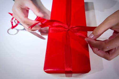 <!--:es-->Empresa regala armas a sus empleados por la Navidad<!--:-->