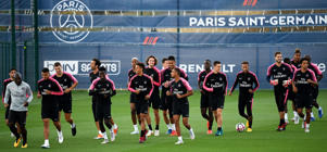 Paris Saint-Germain's team players run during a training session of the Paris Saint-Germain football team on August 24, 2018 at the Camp des Loges, in Saint-Germain-en-Laye, on the outskirts of Paris, on the eve of their French L1 football match. (Photo by FRANCK FIFE / AFP)        (Photo credit should read FRANCK FIFE/AFP/Getty Images)