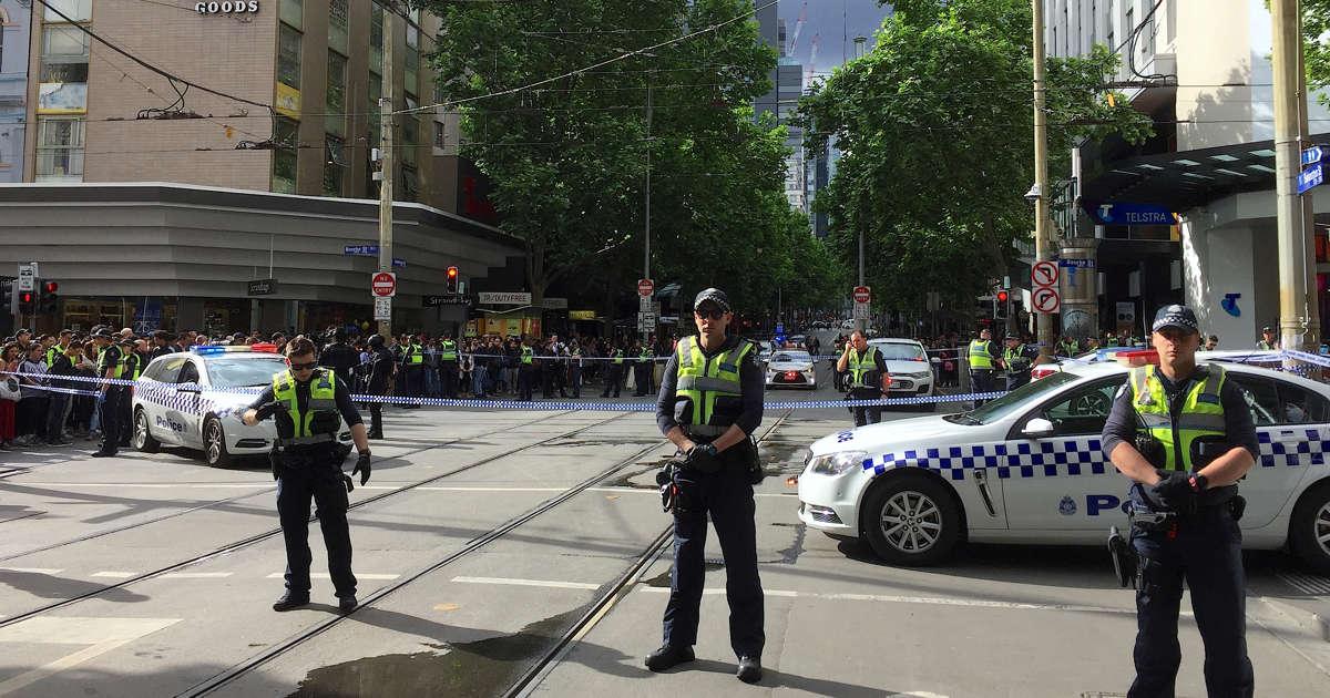 Hundreds of police on scene of incident in Melbourne