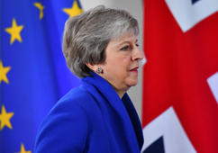 Britain's Prime Minister Theresa May attends a news conference after an extraordinary EU leaders summit to finalise and formalise the Brexit agreement in Brussels, Belgium November 25, 2018. REUTERS/Dylan Martinez
