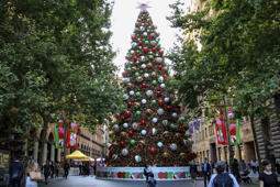 Christmas Tree in Martin Place Christmas festival, Sydney, Australia - 06 Dec 2018