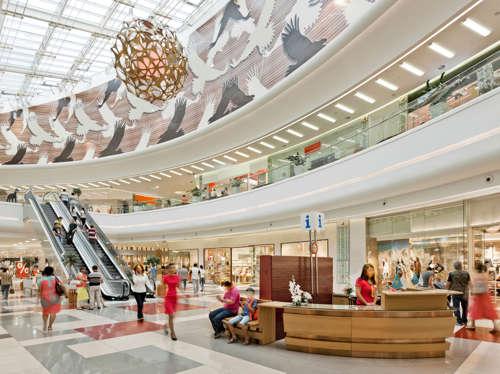 <!--:es-->Sujeto escupe y amenaza a mexicano en mall de Nashville<!--:-->