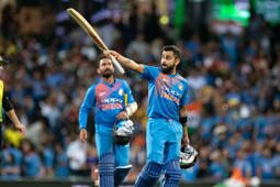'Good batsmen like Kohli work the field'