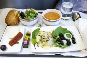 A food tray in the business class cabin of Iberia flight 6165. (Photo by: Jeffrey Greenberg/UIG via Getty Images)