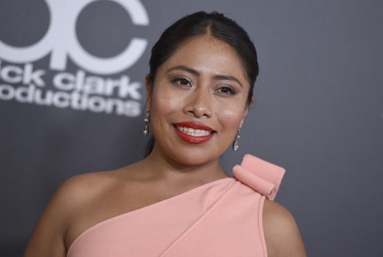 Diapositiva 1 de 40: Yalitza Aparicio arrives at the Hollywood Film Awards on Sunday, Nov. 4, 2018, at the Beverly Hilton Hotel in Beverly Hills, Calif. (Photo by Jordan Strauss/Invision/AP)