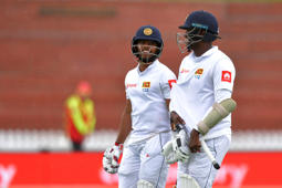 Mathews, Mendis with the rescue act for SL