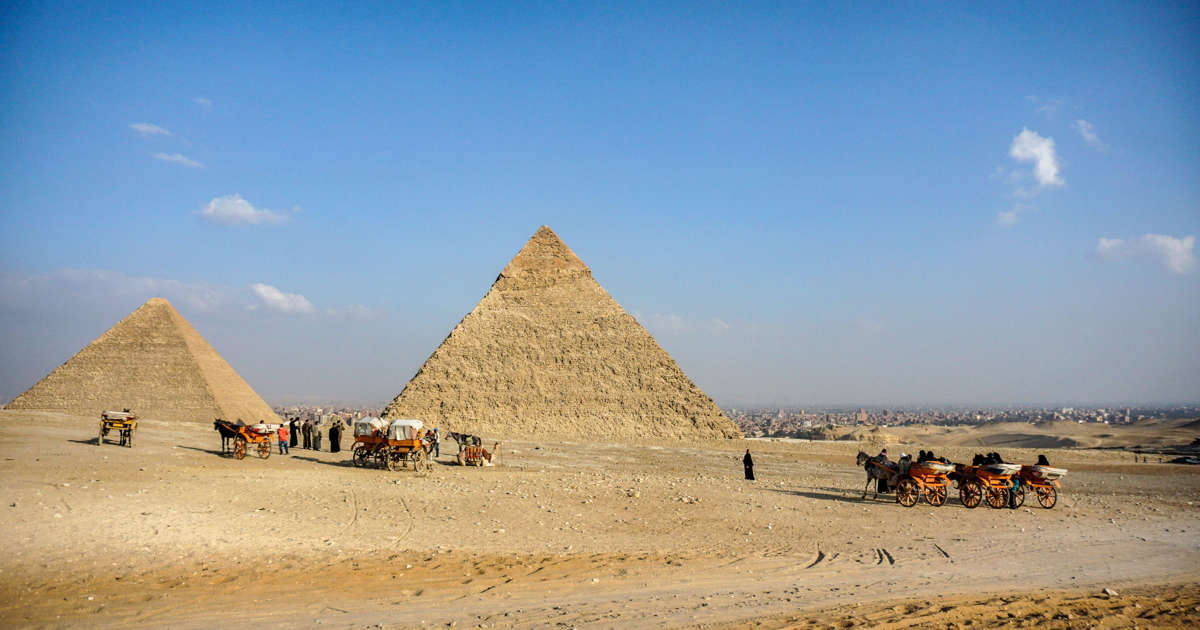 Bomb strikes tourist bus near Egypt's Giza pyramids, kills 2