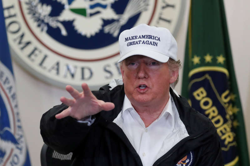 Amid shutdown, Trump visits Texas in effort to boost argument for border wall BBS4UY9