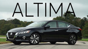 a car parked in a parking lot: 2019 Nissan Altima Quick Drive