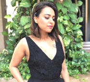 Swara Bhasker learns how to shoot a real gun