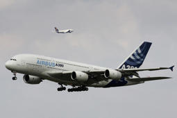 Crosswinds make it a rocky takeoff for airbus A380