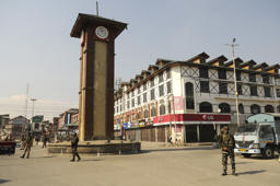 Explosion at Srinagar's Lal Chowk damages shops, vehicles