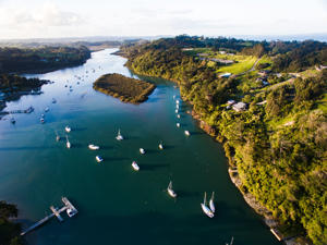 Stillwater the northern end of Auckland in the North Island of New Zealand. Situated on the Weiti River immediately south of the Whangaparaoa Peninsula in the Rodney District, it is part of the area known as the Hibiscus Coast.