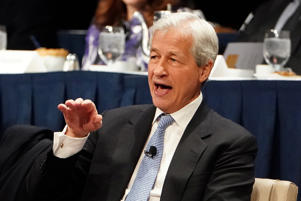 Jamie Dimon, CEO of JPMorgan Chase speaks to the Economic Club of New York in the Manhattan borough of New York City, New York, U.S., January 16, 2019. REUTERS/Carlo Allegri