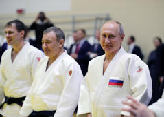 Russian President Vladimir Putin attends a judo training session at the Yug-Sport sport and training complex in the Black sea resort of Sochi, Russia, February 14, 2019. Sputnik/Mikhael Klimentyev/Kremlin via REUTERS ATTENTION EDITORS - THIS IMAGE WAS PROVIDED BY A THIRD PARTY.