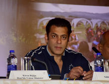 MUMBAI, INDIA - 2018/09/27: Indian film actor Salman Khan seen sited during the 2nd edition of Dalmia MTB Arunachal Hornbill's Flight International Cycle Race at hotel Taj, Santa Cruz. The 650-km race from Mechuka Valley in Arunachal Pradesh to the state's capital Itanagar will start on November 14, and participants are expected to finish it within seven days. (Photo by Azhar Khan/SOPA Images/LightRocket via Getty Images)