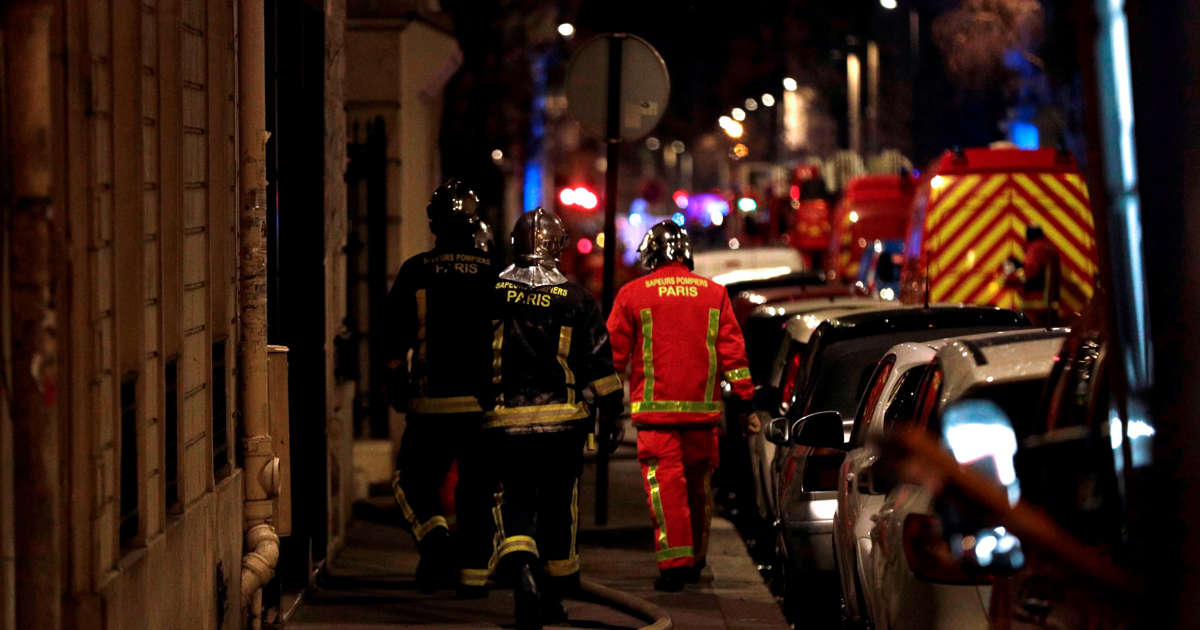 Officials: 7 dead, many injured in Paris apartment fire