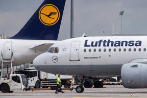 11 February 2019, Hessen, Frankfurt/Main: An Airbus A320 Neo (r) of the airline Lufthansa is rolled from its parking position at Frankfurt Airport. Photo: Silas Stein/dpa (Photo by Silas Stein/picture alliance via Getty Images)
