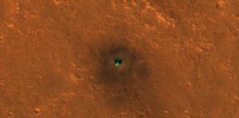 NASA orbiter captured this green spot on Mars - what is it?