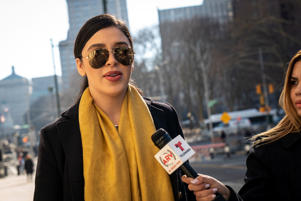 NEW YORK, NY - FEBRUARY 04: Emma Coronel Aispuro, wife of Joaquin 'El Chapo' Guzman, arrives at the U.S. District Court for the Eastern District of New York, February 4, 2019 in the Brooklyn borough of New York City. The jury has begun deliberations in the trial of El Chapo, who is accused of trafficking over 440,000 pounds of cocaine, in addition to other drugs, and exerting power through murders and kidnappings as he led the Sinaloa Cartel. (Photo by Drew Angerer/Getty Images)