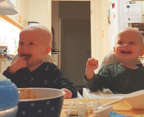 Try not to laugh at these baby twins who can't stop laughing!