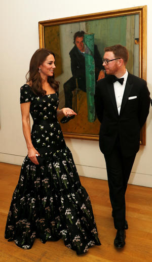 Britain's Catherine, Duchess of Cambridge speaks with Dr Nicholas Cullinan, Director of National Portrait Gallery during the 2019 Portrait Gala at the National Portrait Gallery in London, Britain March 12, 2019. REUTERS/John Sibley/Pool
