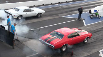 Muscle Cars Drag Racing