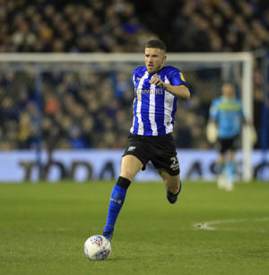 4th March 2019, Hillsborough, Sheffield, England; EFL Championship football, Sheffield Wednesday versus Sheffield United; Sam Hutchinson of Sheffield Wednesday runs with the ball (photo by Conor Molloy/Action Plus via Getty Images)