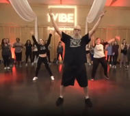 40-year-old's awesome hip-hop dance moves go viral