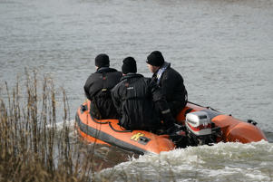 HULL, ENGLAND - FEBRUARY 13: Police officers search the the River Hull next to Oak Road Park in Hull near to the home of missing 21-year-old student Libby Squire on February 13, 2019 in Hull, England. Libby Squire has been missing from her student home in Hull after a night out with friends in Hull on 31 January. (Photo by Christopher Furlong/Getty Images)