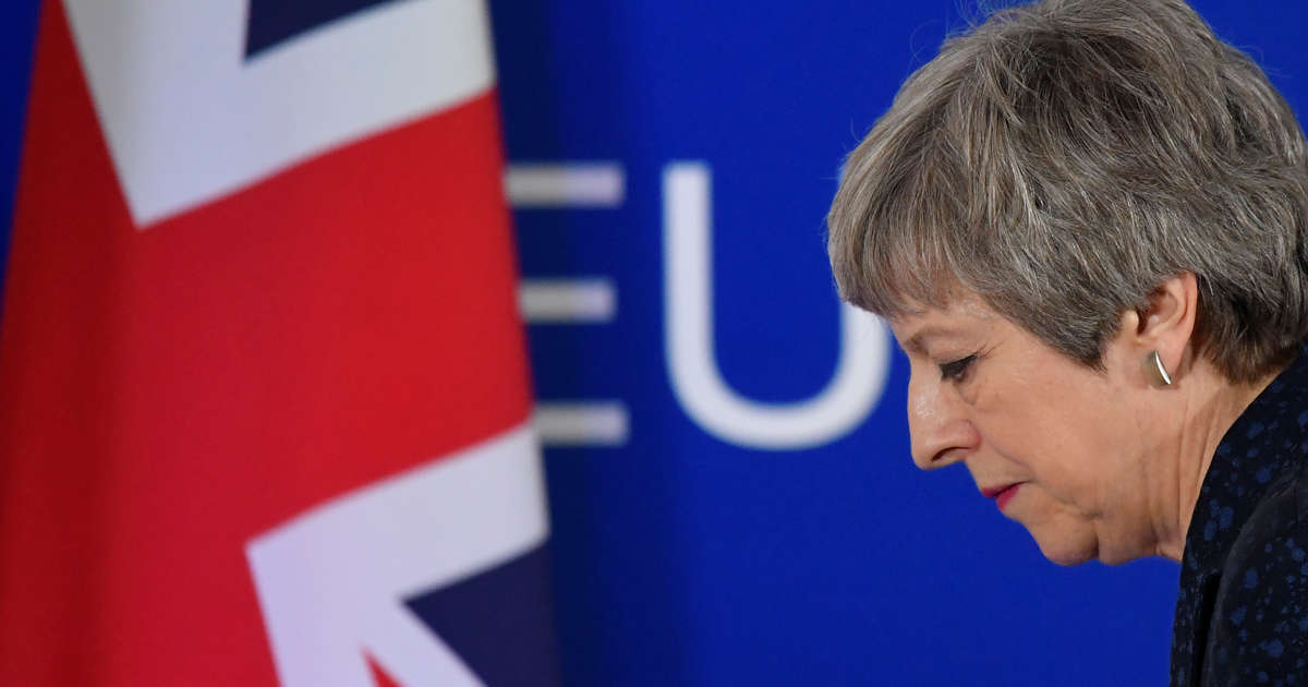 Theresa Mays Cabinet in Open Revolt, Plotting Overthrow: Times