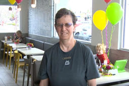 'I get along with everybody': Woman celebrates 30 years of work at restaurant