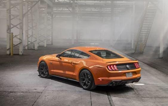 Ford metió al gimnasio a su Mustang 4 cilindros