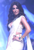 Chitrangda sets ramp on fire