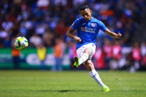 PUEBLA, MEXICO - JANUARY 04: Yoshimar Yotun of Cruz Azul kicks the ball during the 1st round match between Puebla and Cruz Azul as part of the Torneo Clausura 2019 Liga MX at Cuauhtemoc Stadium on January 4, 2019 in Puebla, Mexico. (Photo by Hector Vivas/Getty Images)