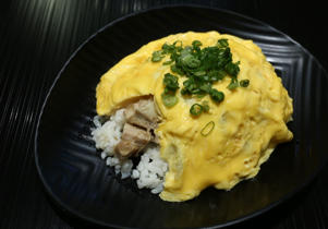 Chicke cha-cha don with fluffy omelette from Torihana Tei Ramen in Wanchai. 03JUL15 (Photo by Jonathan Wong/South China Morning Post via Getty Images)