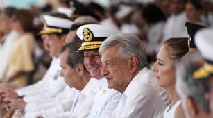 Mexico's President Andres Manuel Lopez Obrador takes part in the 105th anniversary of the National Defence of the Veracruz port, next to his wife Beatriz Gutierrez in Anton Lizardo, Veracruz, Mexico April 21, 2019. Press Office Andres Manuel Lopez Obrador/Handout via REUTERS ATTENTION EDITORS - THIS IMAGE WAS PROVIDED BY A THIRD PARTY