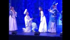 "Something special happened at the end of tonight's performance of ""Aladdin"". Check it out! Full credit to: @demontforthall , @matthewmagician , @Natasha_onstage on Twitter"