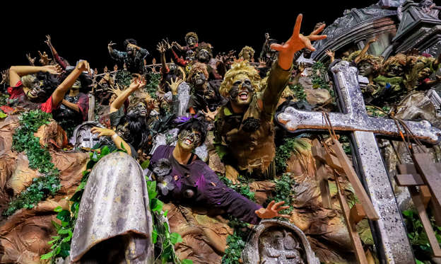幻灯片 15 - 1: RIO DE JANEIRO, BRAZIL - MARCH 03: Members of Viradouro Samba School during their parade at 2019 Brazilian Carnival at Sapucai Sambadrome on March 03, 2019 in Rio de Janeiro, Brazil. Rio's two nights of Carnival parades began today in a burst of fireworks and to the cheers of thousands of tourists and locals who have previously enjoyed street celebrations (known as 'blocos de rua') all around the city. (Photo by Buda Mendes/Getty Images)