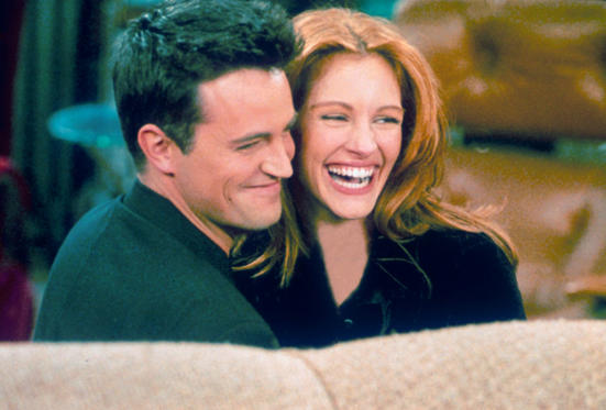 Julia Roberts' gave guest appearance in an episode of FRIENDS. She was rumoured to have dated Mathew Perry as she was spotted in L.A. with him.