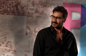 Ajay was named 'Vishal Veeru Devgan' by his father but just before entering films, he switched to 'Ajay Devgan.' In 2009, he dropped the 'a' from his surname.