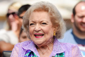 Betty White visits 'Extra' at Universal Studios Hollywood on May 28, 2014 in Universal City, California.