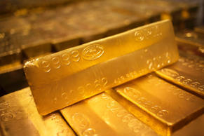24 karat gold bars are seen at the United States West Point Mint facility in West Point, New York June 5, 2013.