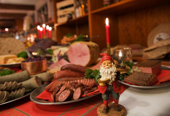 From late November until Christmas, julbord (traditional Christmas buffet) is enjoyed. The common delicacies include pickled herring, gravlax, pate, knackebrod, ham, meatballs with beetroot salad and lutfisk.