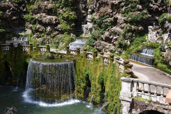 The Oval Fountain or Ovato-Fountain, 1567, Villa d'Este, UNESCO World Heritage Site, Tivoli, Lazio, Italy