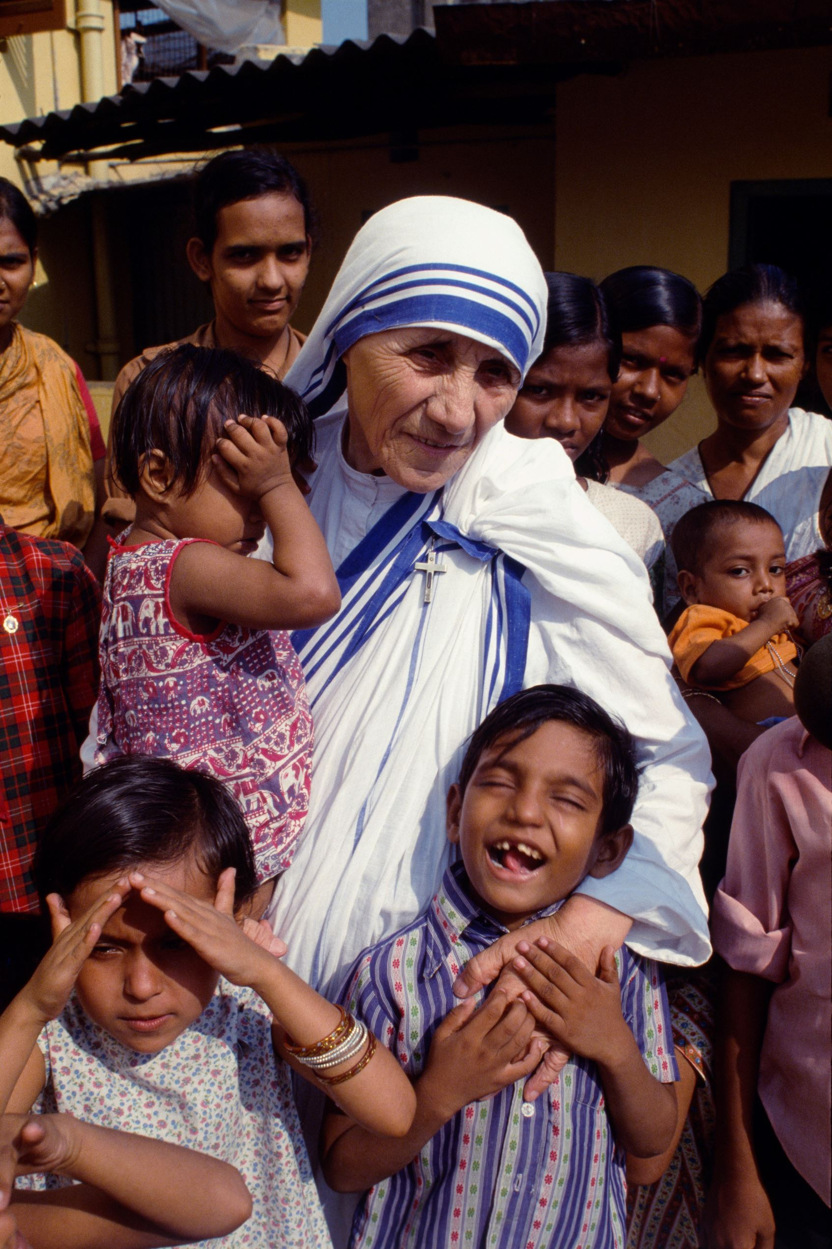 article on mother teresa helping the poor
